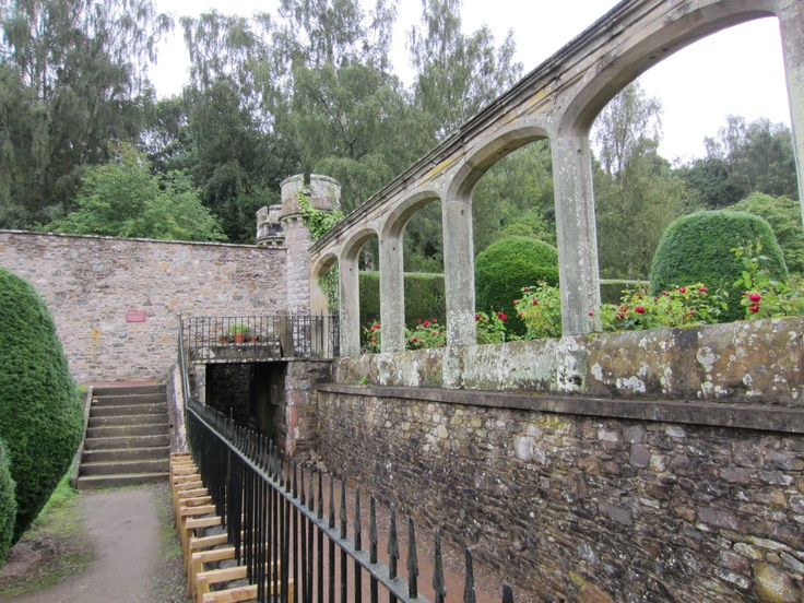 tunnels and gardens