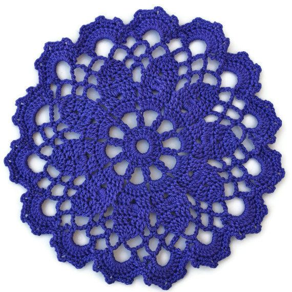 Artículos similares a Púrpura posavasos tapetes Crochet Set de cuatro en Etsy