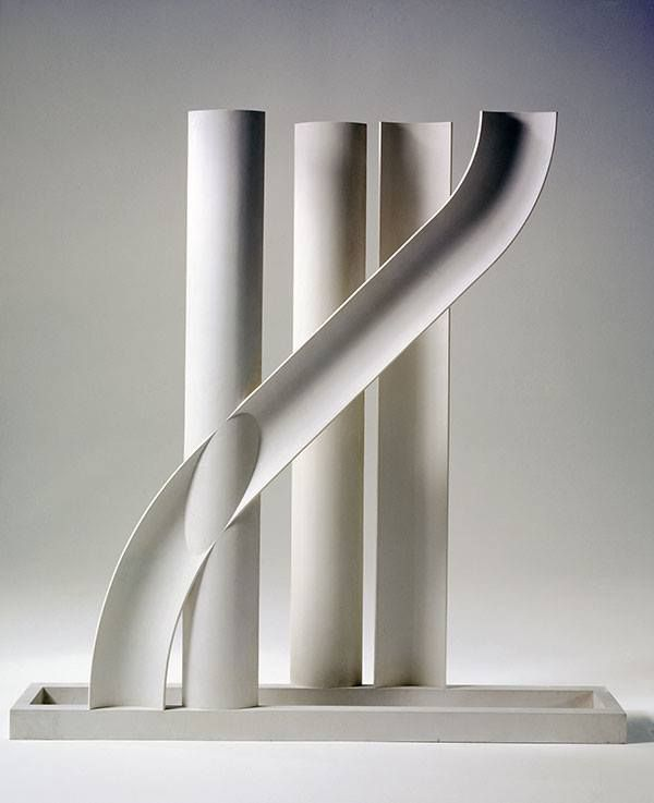 Melotti, Scultura n. 15, 1935. Milan, Museo del Novecento. The function of the vertical bands is similar to an arpeggio rhythmically identical with an effect of homogeneous flow which ascends and acts as a support band to which there rests a line that is a melody.