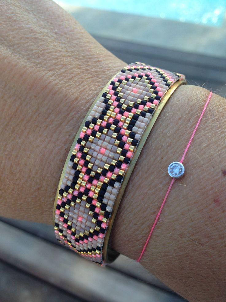 bracelet manchette : Tissage miyuki délicas sur manchette en laiton