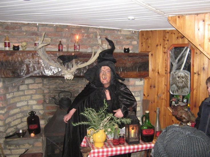 Witches Den 2011