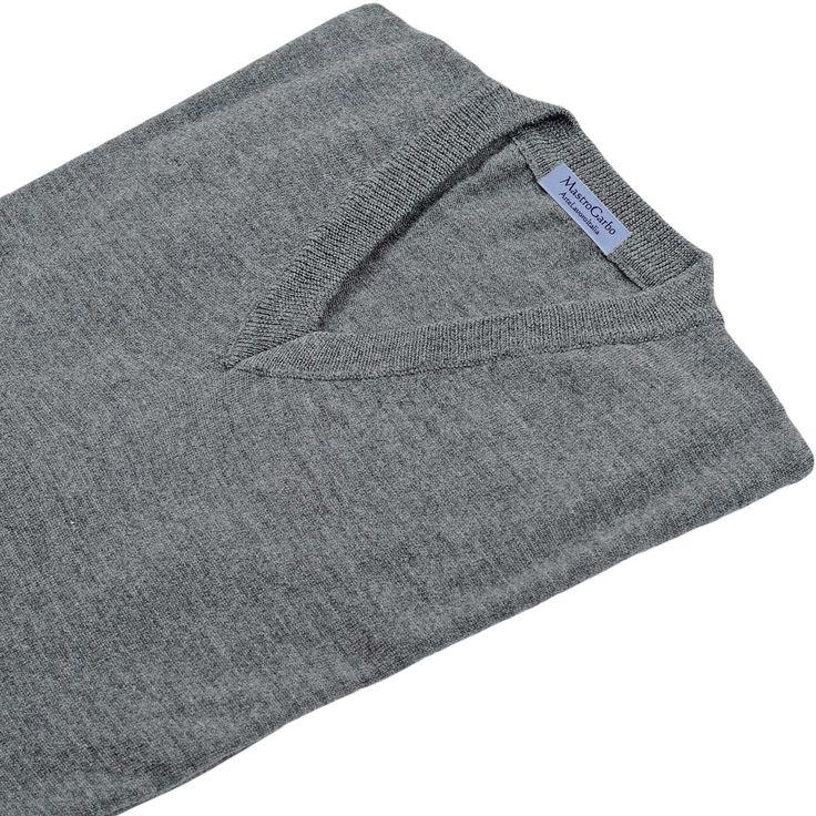 maglia modello MICHELANGELO, colore grigio, disponibile nelle taglie M-L-XL-XXL, lana merinos extra-fine, 100% made in Italy