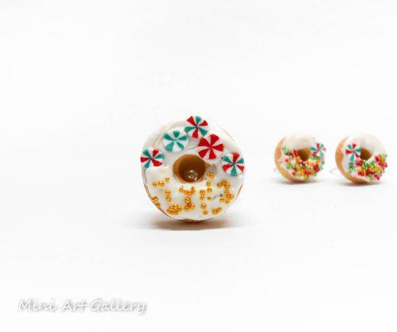 Christmas donut ring / peppermint red green gold / polymer clay handmade jewellery / miniature food jewelry / doughnuts kawaii foodie.  © Mini Art Gallery