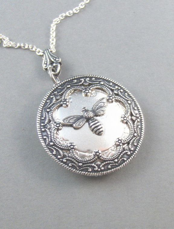 gold locket pendant locket photo maker online jewelry pinterest