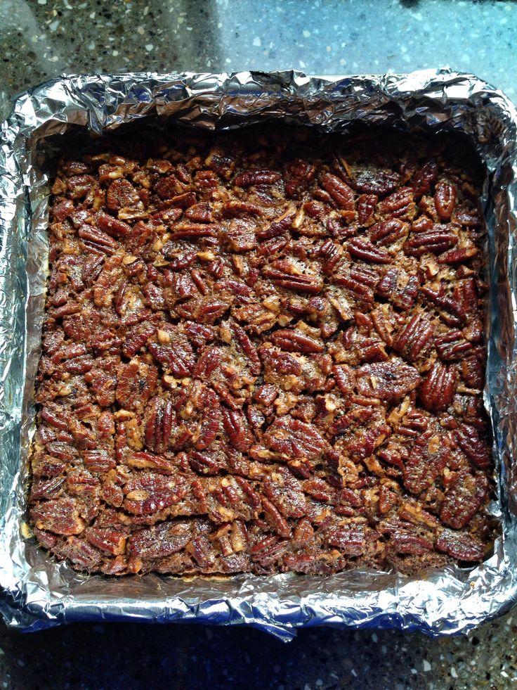 Gluten Free Pecan Pie Bars (with dairy free, egg free options)  #glutenfree #vegan #Thanksgiving