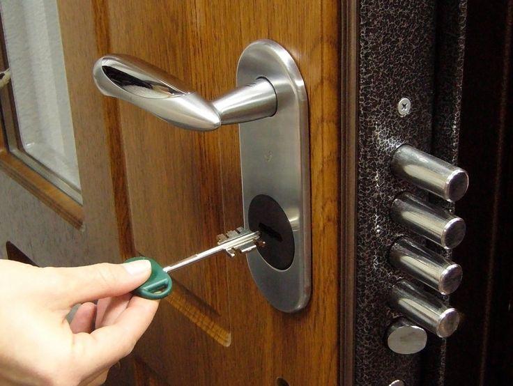 Как грамотно выбрать входную дверь для частного дома или квартиры - Дом советов