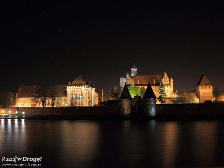 Czy warto przyjechać do Malborka w styczniową noc? Gdy nic nie widać, wystawy są zamknięte, a mróz daje się ostro we znaki? Sprawdziliśmy.