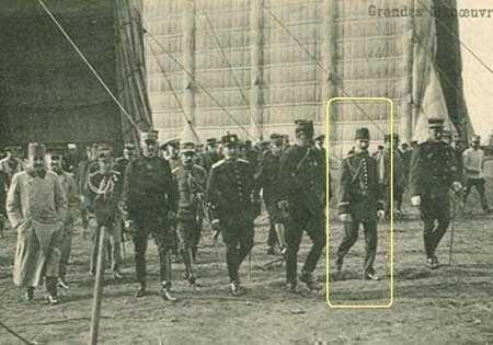 Mustafa Kemal Paris'te Havacılık Fuarından Ayrılırken