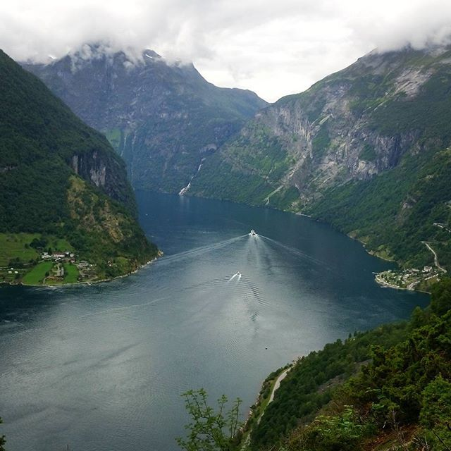 WEBSTA @ asia.ddd - #geiranger #fiord #geirangerfjord #norway #norge #travelgram #holiday #instatravel #beautiful #instamoment #tagsforlikes #webstagram #igers #amazing #wow #instanorway #nature #clouds #mountains #instagood #instadaily #photooftheday