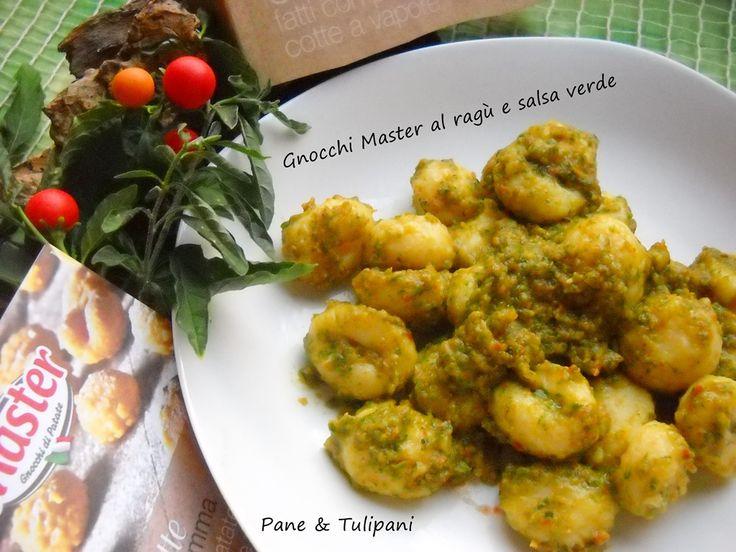 Gnocchi Master al ragù e salsa verde. Golosi gnocchi preparati con un insolito condimento, molto buono!!! http://blog.cookaround.com/vincenzina52/gnocchi-master-al-ragu-e-salsa-verde/