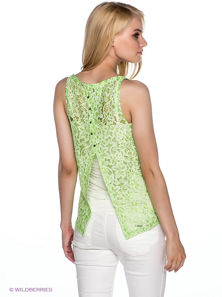 Топ GARCIA. Цвет зеленый, белый.