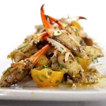 We love this classic Marinated Crab Claws recipe from @laseafood!