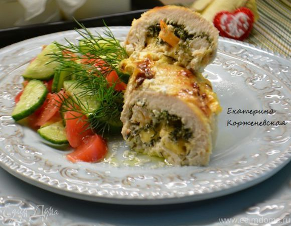 Куриная грудка, фаршированная креветками и сыром  Побалуйте своих близких вкусным и оригинальным блюдом на ужин. Интересное сочетание куриной грудки, сыра и креветок не оставит никого равнодушным.  #готовимдома #едимдома #кулинария #домашняяеда #куринаягрудка #креветки #сыр #ужин