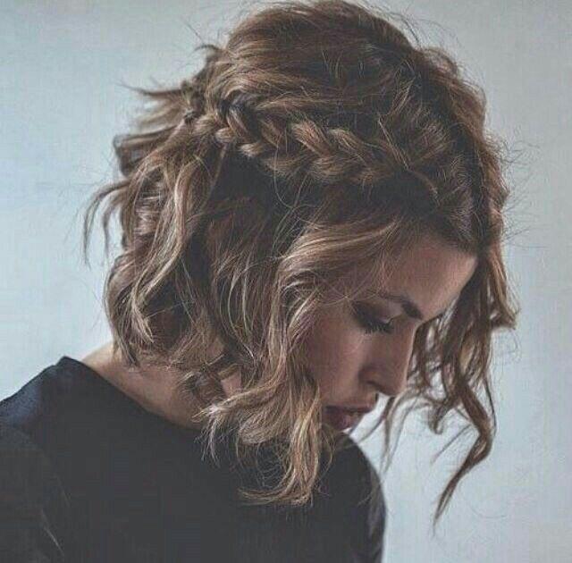 Coiffure mariage cheveux mi longs