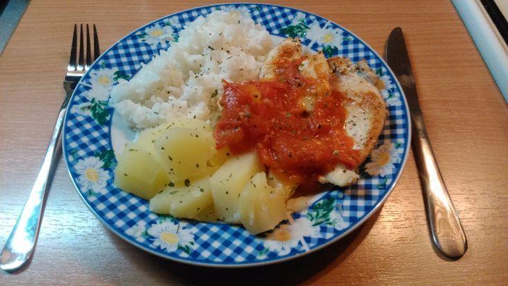 Ľahké kuracie prsia s paradajkovou omáčkou :ˇ)
