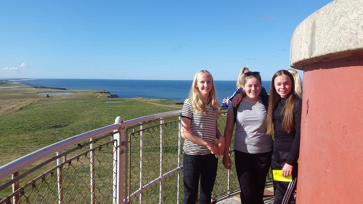 Piger i toppen af en vindmølle!