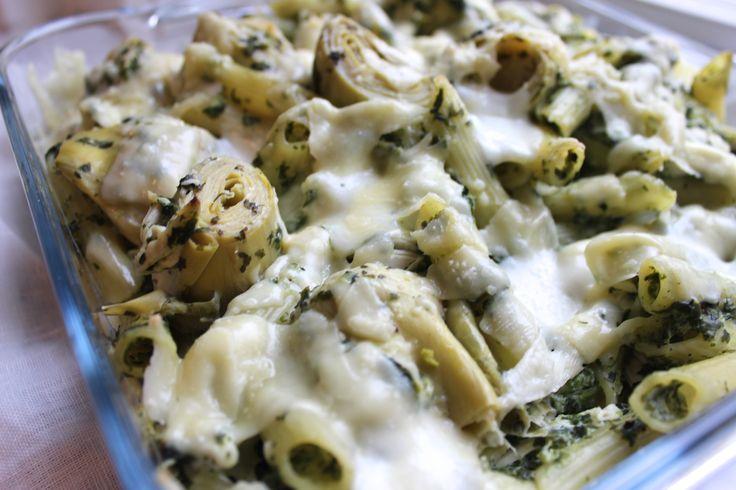 Ik houd van gerechten uit de oven. Dit receptje heb ik vorige week gemaakt en was een succes! Pasta uit de oven met kip, spinazie & artisjok harten.