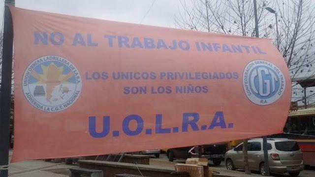 GREMIO LADRILLERO RECHAZO EL TRABAJO INFANTIL EN LA CONSTRUCCION      LADRILLEROS-TRABAJO INFANTILGREMIO LADRILLERO RECHAZO EL TRABAJO INFANTIL EN LA CONSTRUCCION Y RATIFICO UNA CAMPAÑA NACIONAL La Unión Obrera Ladrillera (Uolra) que conduce Luis Cáceres se pronunció en rechazo del trabajo infantil y ratificó la campaña nacional que impulsa para erradicar ese flagelo en la actividad de la construcción. En el marco de esa campaña nacional la organización sindical firmó un convenio marco con…
