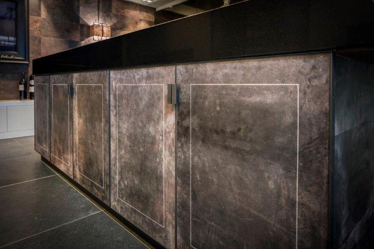 leren fronten RMR INTERIEURBOUW MOERGESTEL maatwerk intérieur  interiors www.rmr.nl