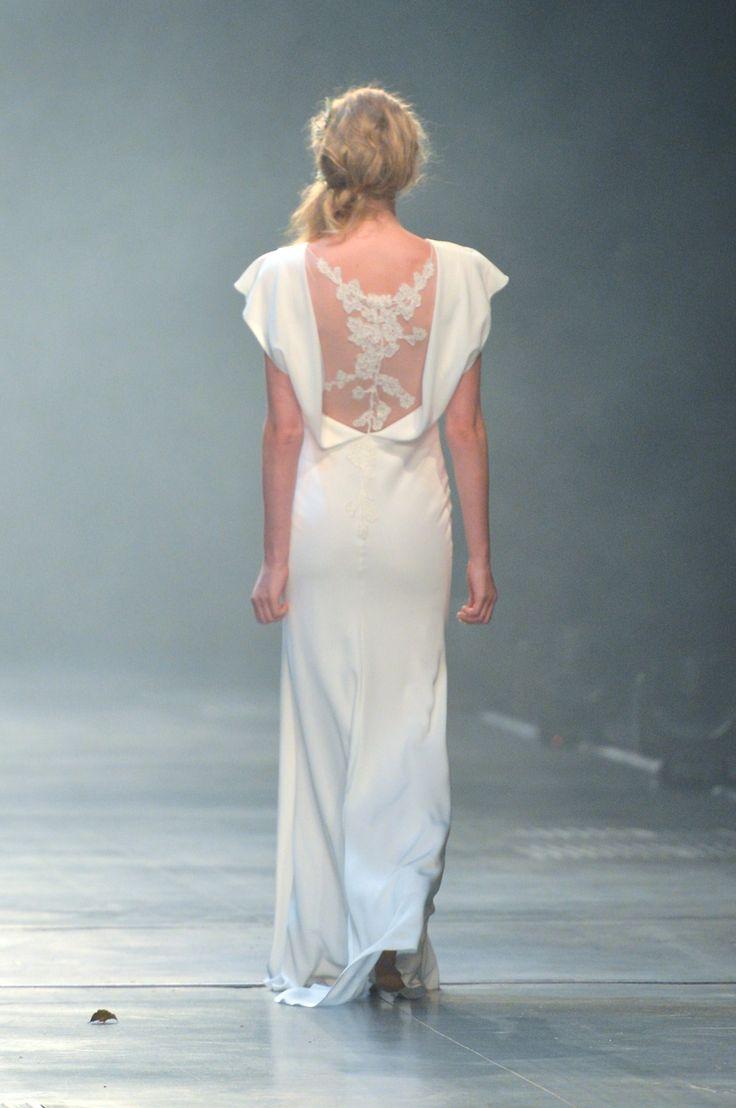 Robe de mariée David Fielden, 7908. Modèle d'exposition immédiatement disponible. www.metalflaque.fr