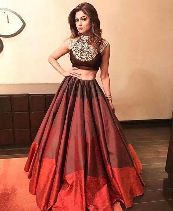 shamita shetty designer lehenga, crop top and lehenga, buy designer lehenga, designer dress shoping online, buy lehenga online, bollywood lehenga shopping