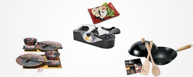 Per chi ama la cucina cino-giapponese, potresti stare su un set di piatti con decorazioni cinesi, un roll-shushi per creare dei sushi perfetti, un Wok, un corso per sushi, ...  #regalo #cucina #cinese #giapponese