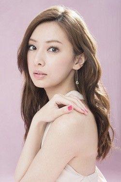 ゆるパーマのロングヘア♡ 北川景子の髪型一覧。