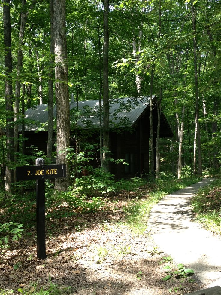 One of the family cabins at brown county state park for Ponte coperto cabina brown county