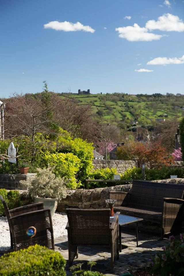 Sheriff Lodge, Matlock, Derbyshire, England, Bed and Breakfast. Accepts Dogs & Small Pets. Dog Friendly. #WeAcceptPets. PetFriendly. Holiday. Travel. Walks. Day Out. Dog Friendly. Riber Castle.