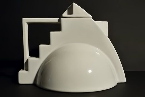 Deco-Teapot-by-Salins-Studio