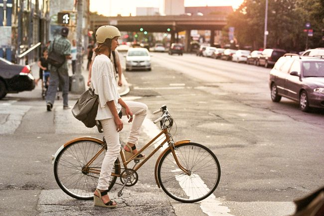 Very chic, and safe. Looking good on a bike and effortless, not trying too hard! She's got my vote