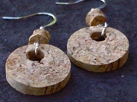 Aretes de corcho.     #Cool #DIY
