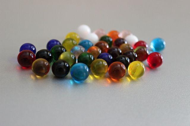 barevné skleněné kuličky  D 10 mm
