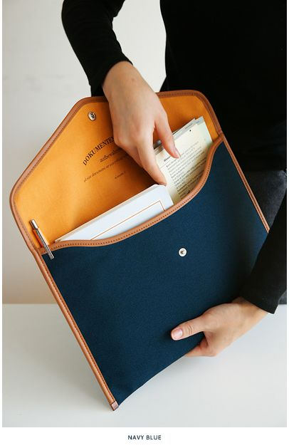 canvas document pouch, I bet this would come in handy and keep things nice and clean in and out of my oversized purse