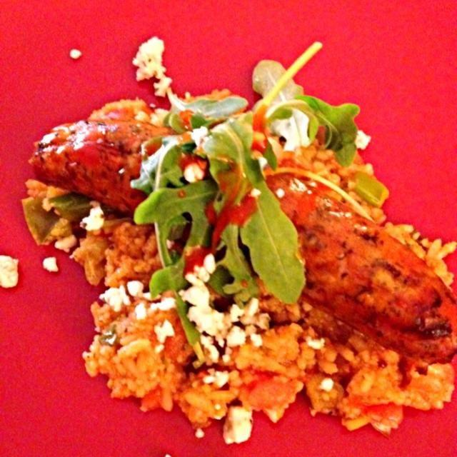 レシピとお料理がひらめくSnapDish - 11件のもぐもぐ - Grilled chicken artichoke gouda brats with mangos rice and arugula and feta topping with pineapple. by amy