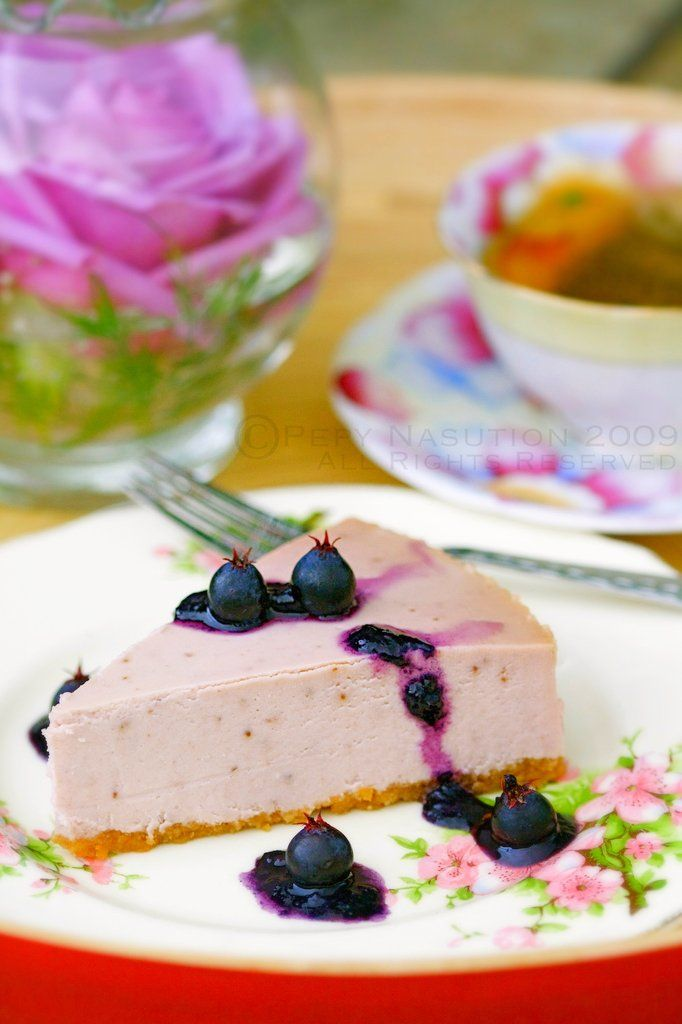 Sweet, beautifully hued, scrumptious Saskatoon Berry Cheesecake.... I HAVE to make this, LOVE:)