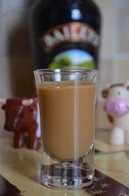 SKŁADNIKI na ok.1,6l likieru   0,5l wódki   2 puszki gotowej masy krówkowej   1 puszka mleka skondensowanego niesłodzonego   2 łyżecz...