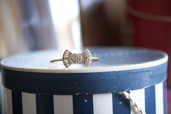 Antique bow ring