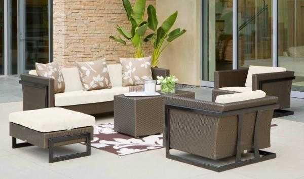 Best 25 outdoor seating areas ideas on pinterest for Poste mobili 0 pensieri small