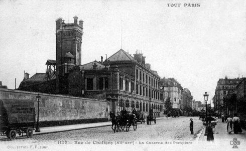 Croisement entre la rue de Chaligny et le boulevard Diderot., dans le 12ème arrondissement.