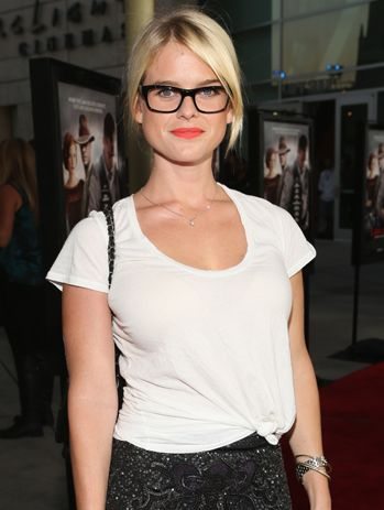 Alice Eve  http://primped.ninemsn.com.au/blogs/celebeauty/alice-eve#