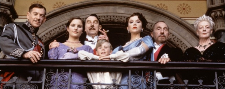 """""""On this unworthy scaffold"""": Experiencing Shakespeare on Film"""