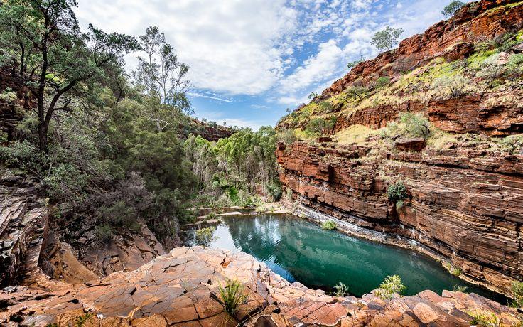 Der Karijini Nationalpark liegt in der Pilbara (Westaustralien. Der 2. größte Nationalpark Australiens beeindruckt mit tiefen Schluchten & natürlichen Pools