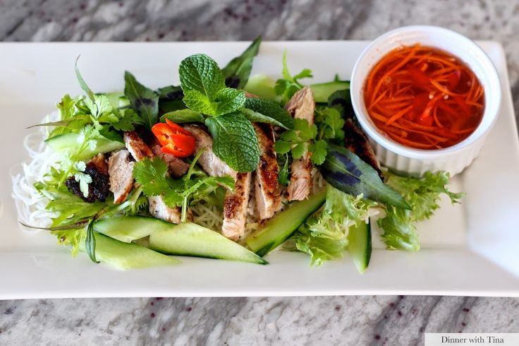 Lemongrass pork chops with vermicelli noodles and a Vietnamese dipping sauce. Delicious, refreshing yet filling salad perfect for Spring and Summer
