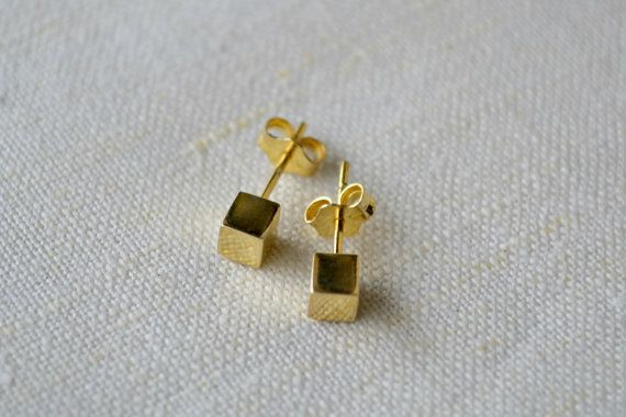 Cube Post Earrings, cube studs, Gold Dot Stud Earrings, Minimalist Gold Earrings Gold cubes studs, Silver Cubes studs.