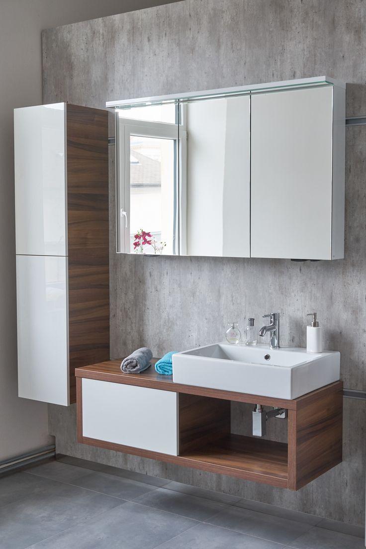 Minimalistický koupelnový nábytek Dřevojas - Prohhlédněte si naše stylové koupelnové skříňky v showroomu ve Svitavách