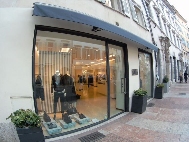 The store is situated in Via Giannantonio Manci in Trient, in the north of Italy #caneppele #trento #onlinestore