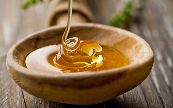 1 TSP. HONEY 1 TSP. OLIVE OIL Mix the two ingredients in a small travel size bottle (3 oz). Give a small shake. Apply a dime to nickel size amount onto face. Massage in for 2 minutes. Heat a white ...