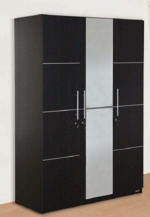 Lemari 3 pintu yang minimalis namun tetap elegan bisa anda pasang di rumah sebagai pelengkap desain interior. Selain dipilih karena desainny...