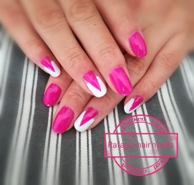 Fuchsia nails, geometric design